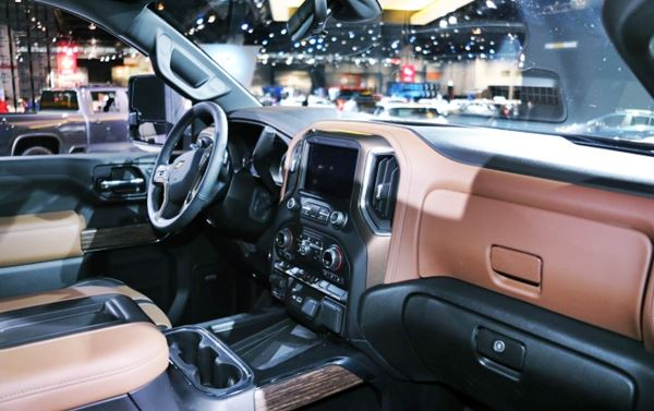 2022 Chevy Silverado Interior