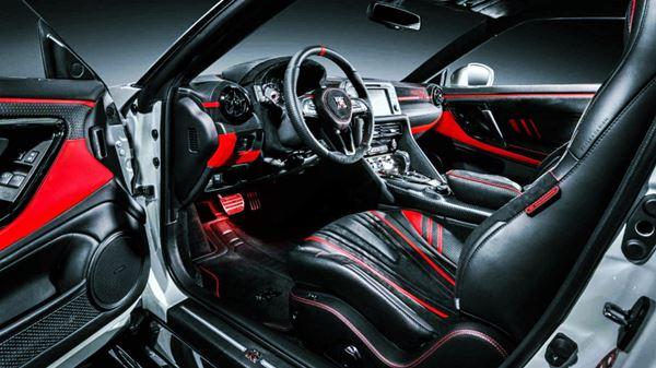 2022 Nissan GTR Redesign interior