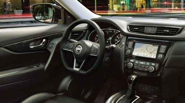2022 Nissan Frontier Interior Design