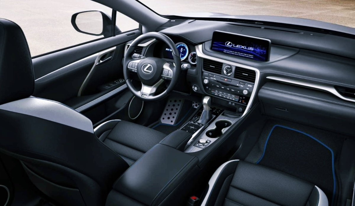 Lexus RX 450h 2023 Interior